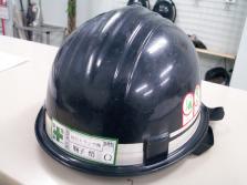 ヘルメットに情報を